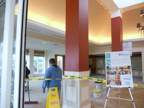 Hilton Garden Inn Portland Beaverton: Lobby major construction mid April 2013