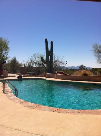Hacienda Del Sol Guest Ranch Resort : the pool