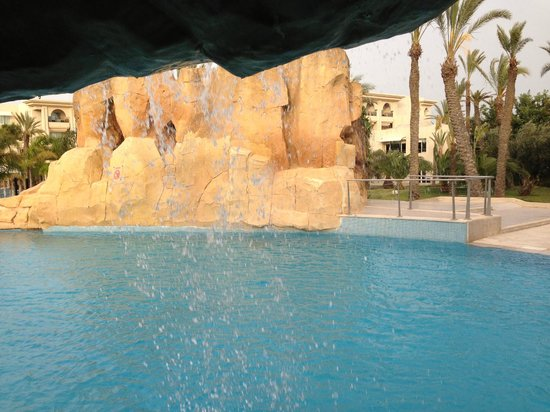 The Russelior Hotel & Spa: Outdoor pool