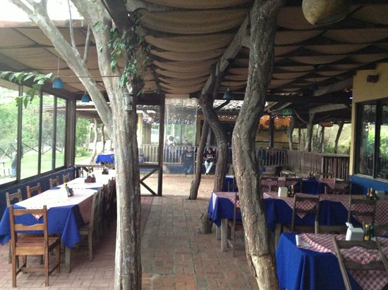 Mirador Tiquicia: traditional type of open air seating