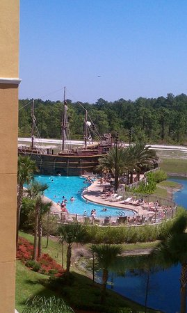 Lake Buena Vista Resort Village & Spa: Wonderful view of the pool from balcony.