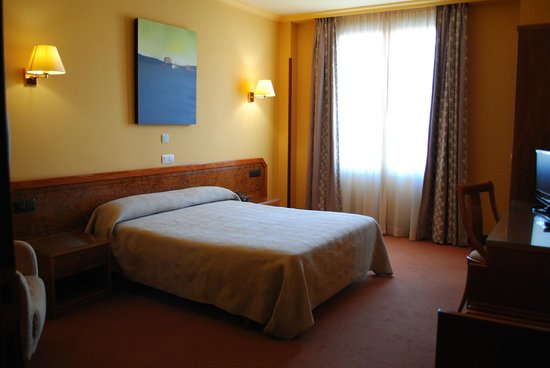 Hotel Gernika: Habitación doble cama matrimonial
