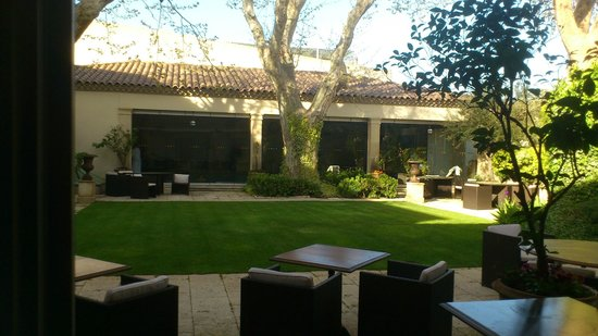 Villa Mazarin : piscine couverte et chauffée