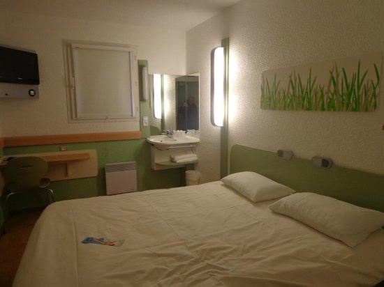Ibis Budget Remiremont: Une première vue de notre chambre