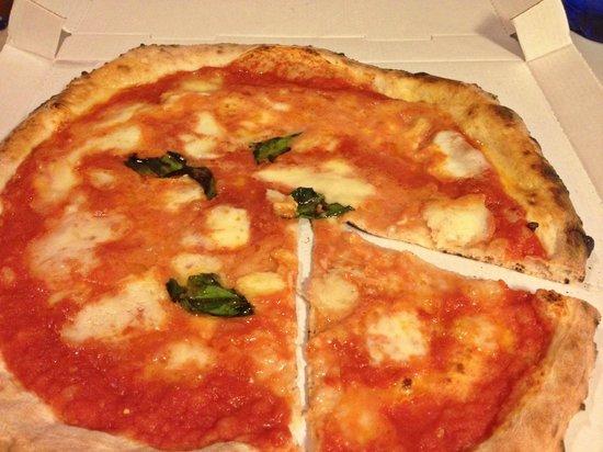Luna Rossa: Pizza margherita