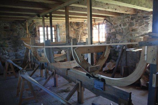 อุทยานประวัติศาสตร์ป้อม หลุยส์ บูร์ก: Boat building