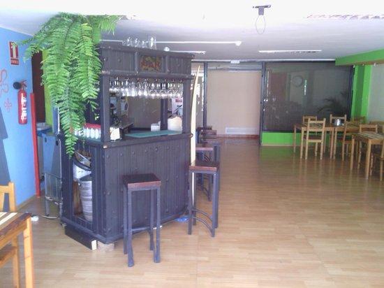 Acd Tenerife Surf House: bar cafetería, zona de música y de ocio