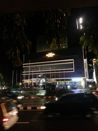 The Daira Hotel Palembang: View of the front part of the hotel as taken from the bus stop