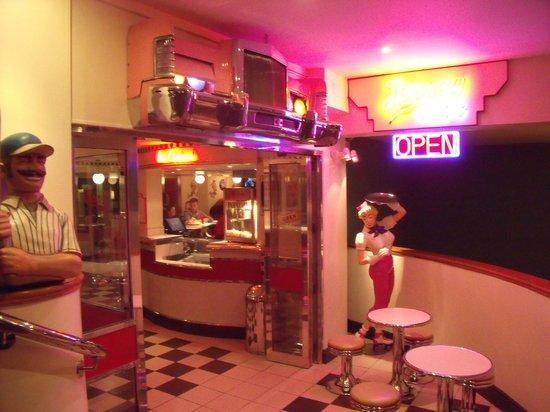 Merton Hotel: American Diner
