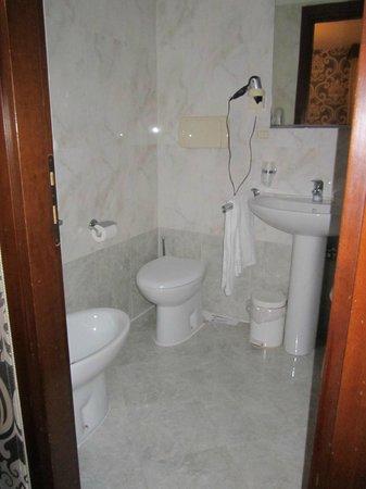 Ca' Priuli: Room ??? bathroom