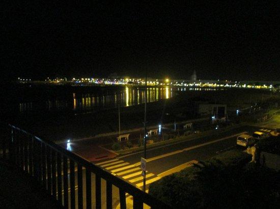 Family Golf Hotel : De jour comme de nuit, une vue imprenable sur l'océan