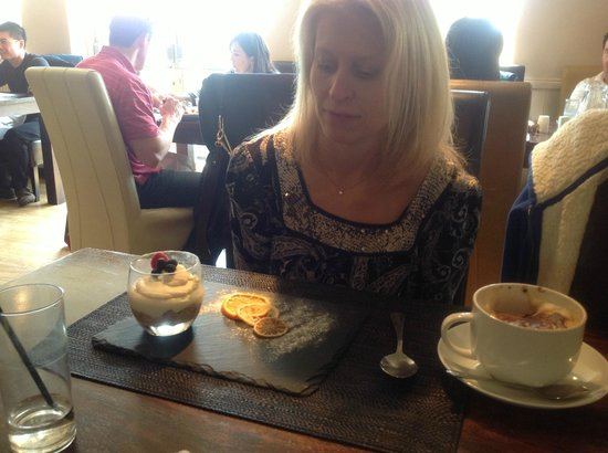 The Waggon & Horses / Choppy's: Wife DID like the cheesecake BUT she stuggled to dig it out of the pot.  Wrong container choice