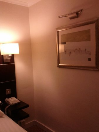 Mercure Glasgow City Hotel: Space around bed limited but adequate for me.