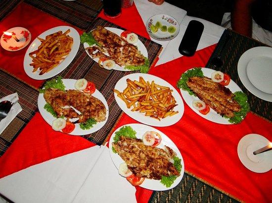 Min Thu - Traditional Seafood Restaurant : Fisch und die 4 fach frittierten selbstgemachten Pommes