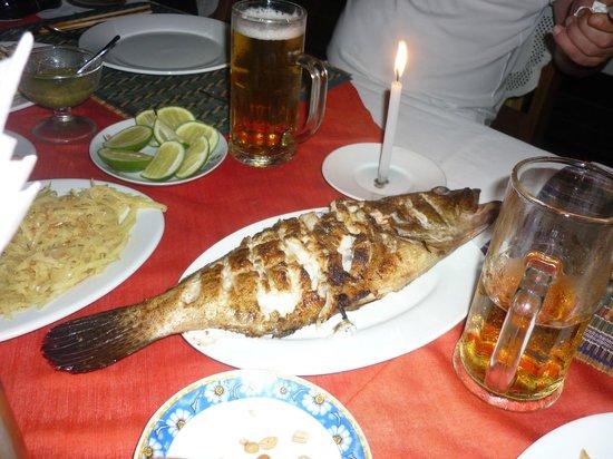 Min Thu - Traditional Seafood Restaurant : Gruppafisch