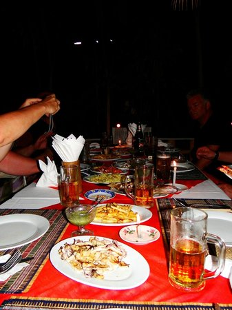 Min Thu - Traditional Seafood Restaurant : Schlemmen unter freiem Himmel ...Klasse