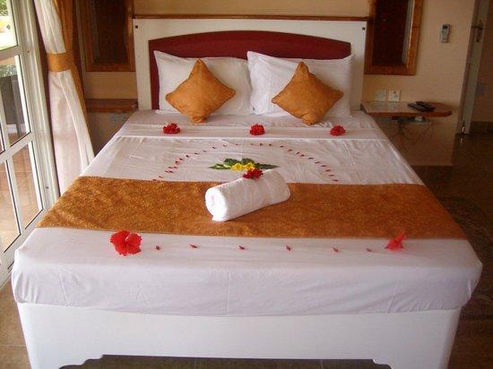 Au Fond de Mer View: Bed
