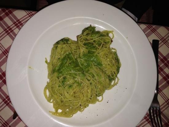 Trattoria della Gloria: spaghettini con pesto di asparagi