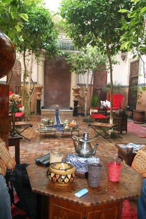 Riad Jenai: patio