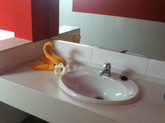 Costa Sal Villas and Suites: bathroom