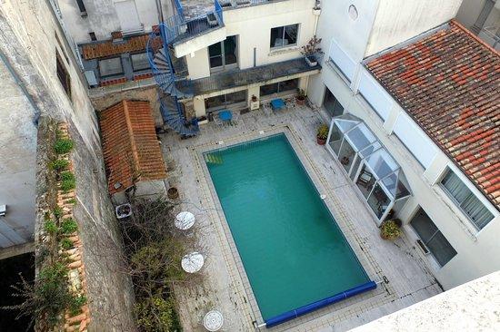 Le Yachtman: La piscine vue de la chambre