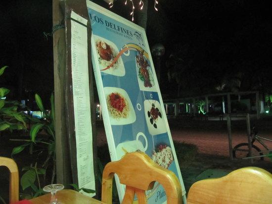 Restaurante & Pizza Los Delfines: в кафе