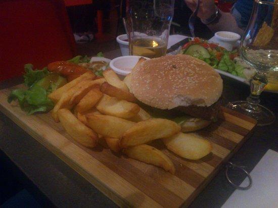 25° Est: The Arizona Burger +++