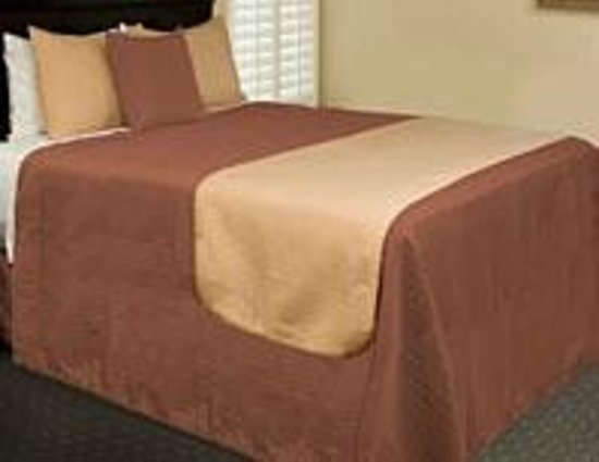 Red Carpet Motel - Knoxville: QueenSizeBed