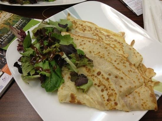 Crepes et Croissants: The Italian crêpe with a side salad.