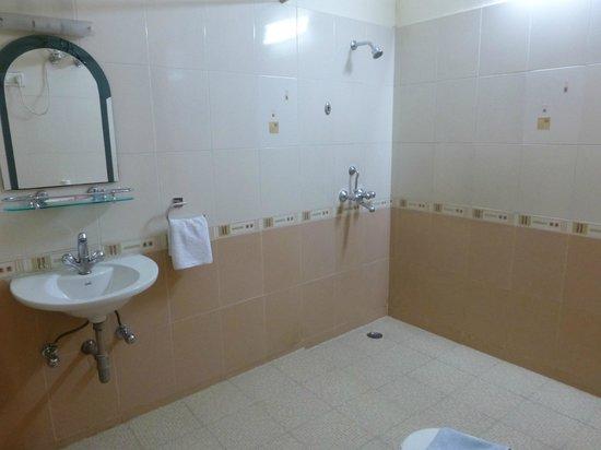 Garden Villa Homestay : la salle de bains très propre