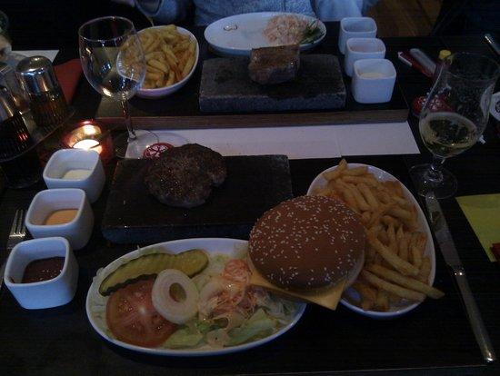 Acanto: cheeseburger