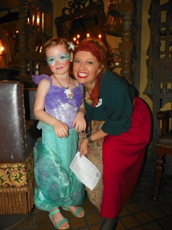 The Pirates League : Mermaid Makeover by a Pirate!