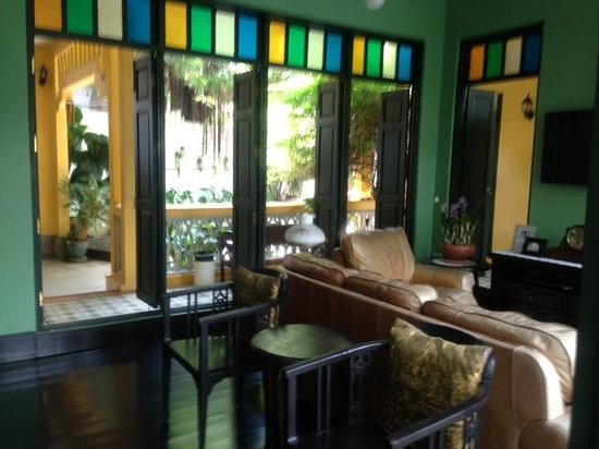 Baan Pra Nond Bed & Breakfast: main common area