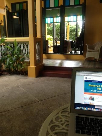 Baan Pra Nond Bed & Breakfast: sitting by the pool