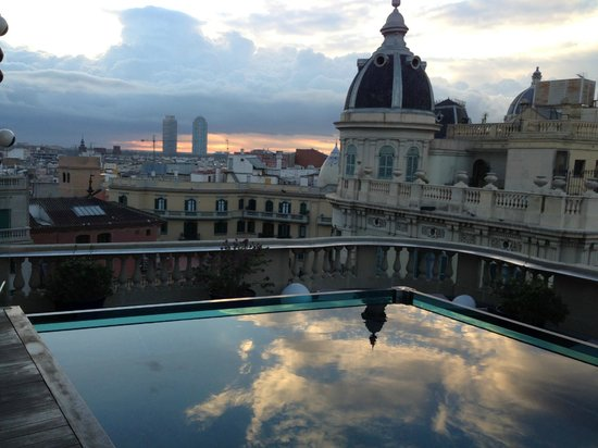 Hotel Ohla Barcelona: Sunrise at the Rooftop & the Pool