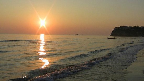 Planet Studios and Apartments: Tsilivi Sunrise - Just a 5 minute stroll from Planet Apartments