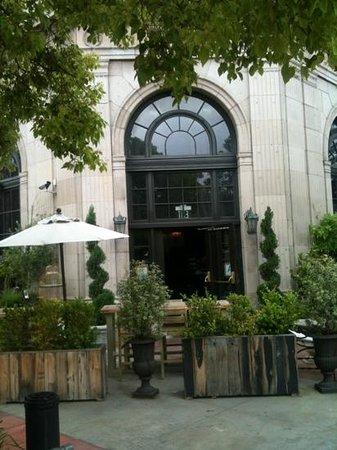 The Culver Hotel: côté rue piétonne ...