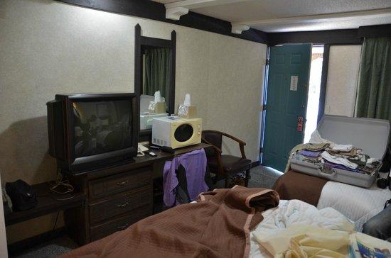 Spinnaker Inn Plaza Motel: Slaapkamer