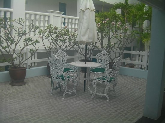 Andaman Seaview Hotel: seating area internal