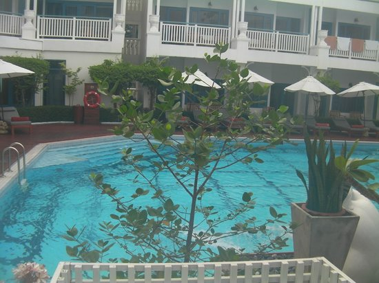 Andaman Seaview Hotel: pool