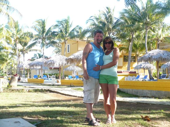 Sol Sirenas Coral Resort: a stroll after dinner