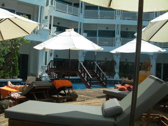 Andaman Seaview Hotel: view from the pool