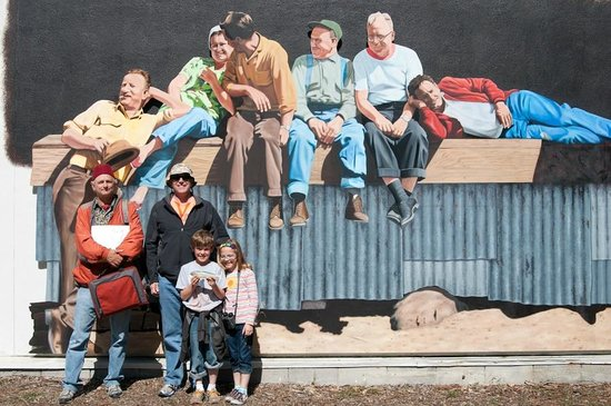 Monterey Waterfront & Cannery Row Tours: Tim Thomas and historical mural