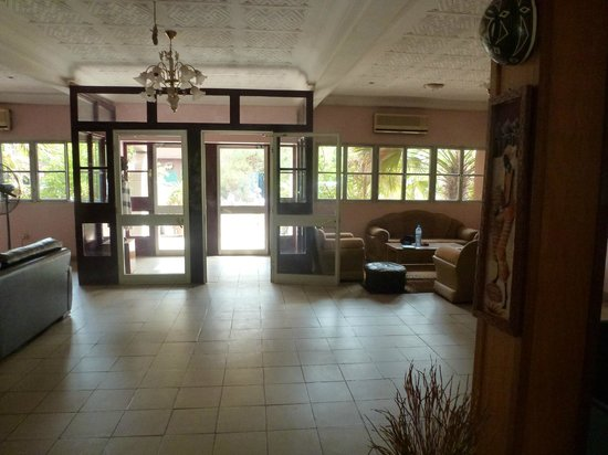 Hotel de l'Amitié: The Hotel Lobby