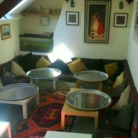 Istanbul Cafe & Bistro : Upper floor: a comfortable place to have a coffee!