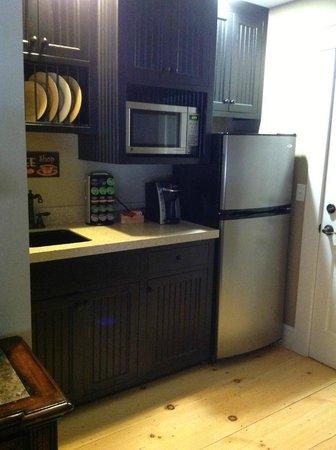 Gazebo Inn Ogunquit: Kitchen area!
