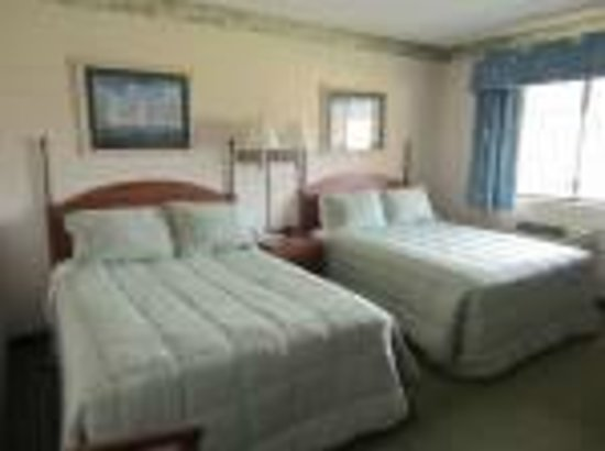 Flagship Inn: Standard Room with 2 double beds