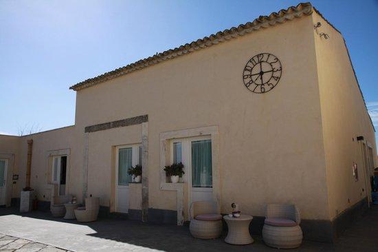 Hotel Borgo Pantano: Vista exterior de la habitación