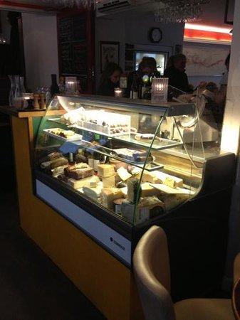 Villa Vino : kjøledisk for ost og charcuterie