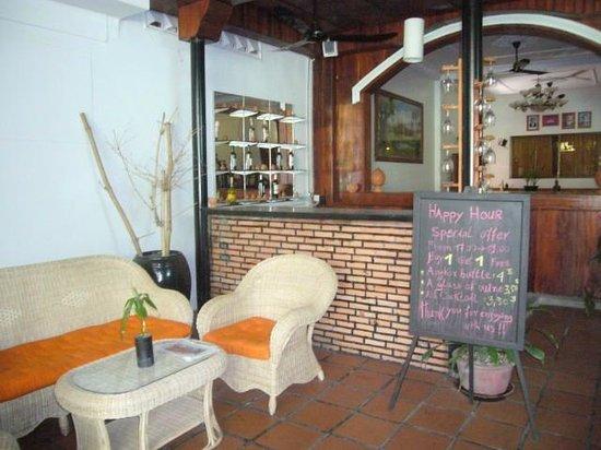 Khmer Cuisine Bed & Breakfast: Reception area.